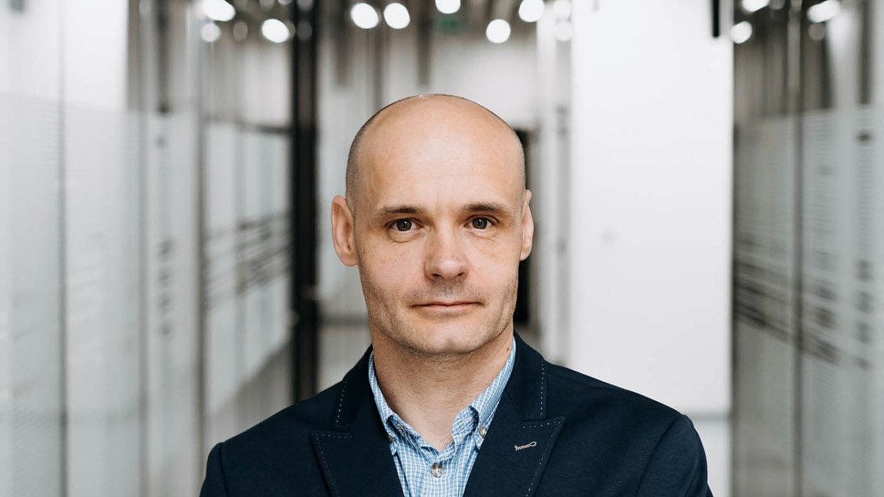 Miroslav Kuželka, produktový ředitel e-mobility vefirmě ABB ČR.
