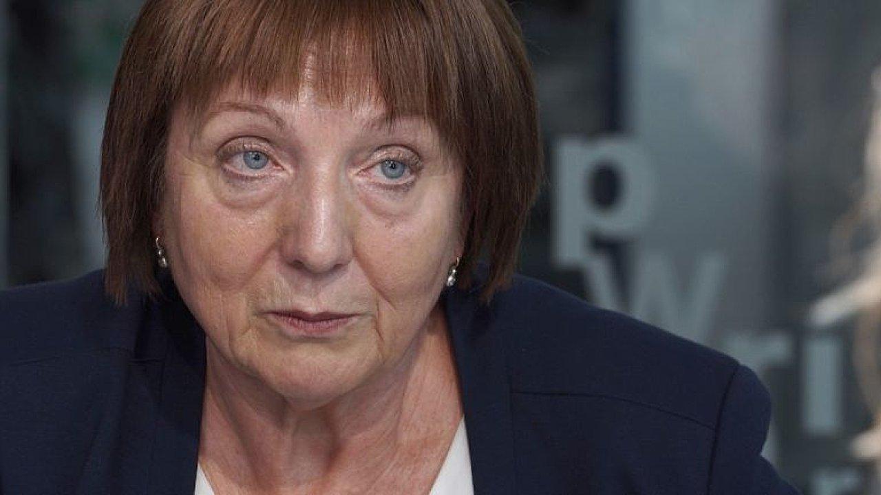 Charita ČR: Sestry v domácí péči se cítí jako otrokyně, ministr lže a systém kolabuje.