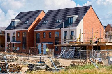 Nová éra výstavby. Domy, které letos získají stavební povolení, nemusí nové normy splňovat.