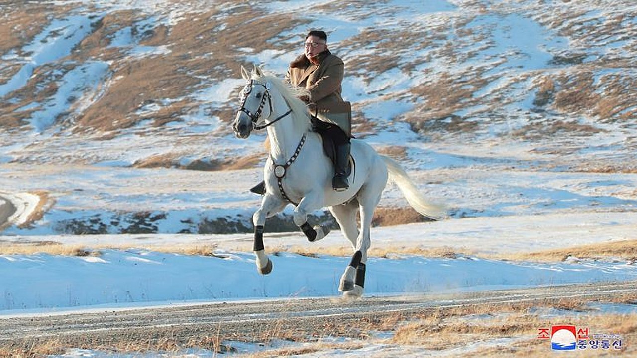 KimČong-un na bílém koni. Severokorejský vůdce opět zdolal