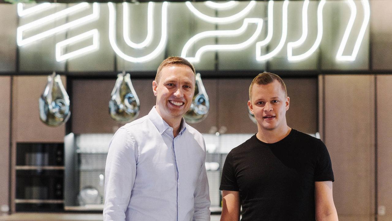 Úspěšní startupisté. Hubert Palán (vlevo) a Daniel Hejl založili start-up Productboard, který nyní od investorů získal přes 1,5 miliardy korun