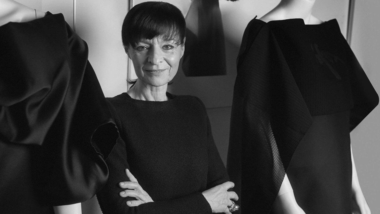 Oděvní designérka Liběna Rochová