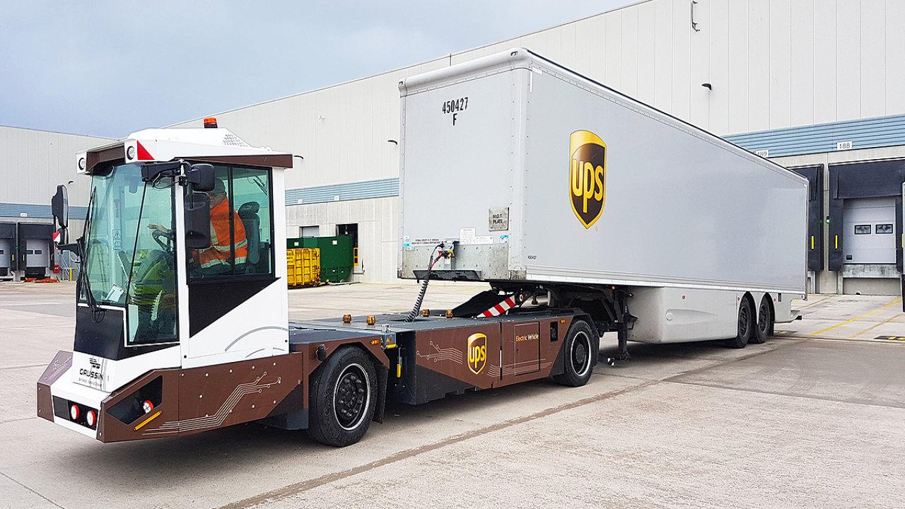 Vozidlo Gaussin na londýnském terminálu UPS.