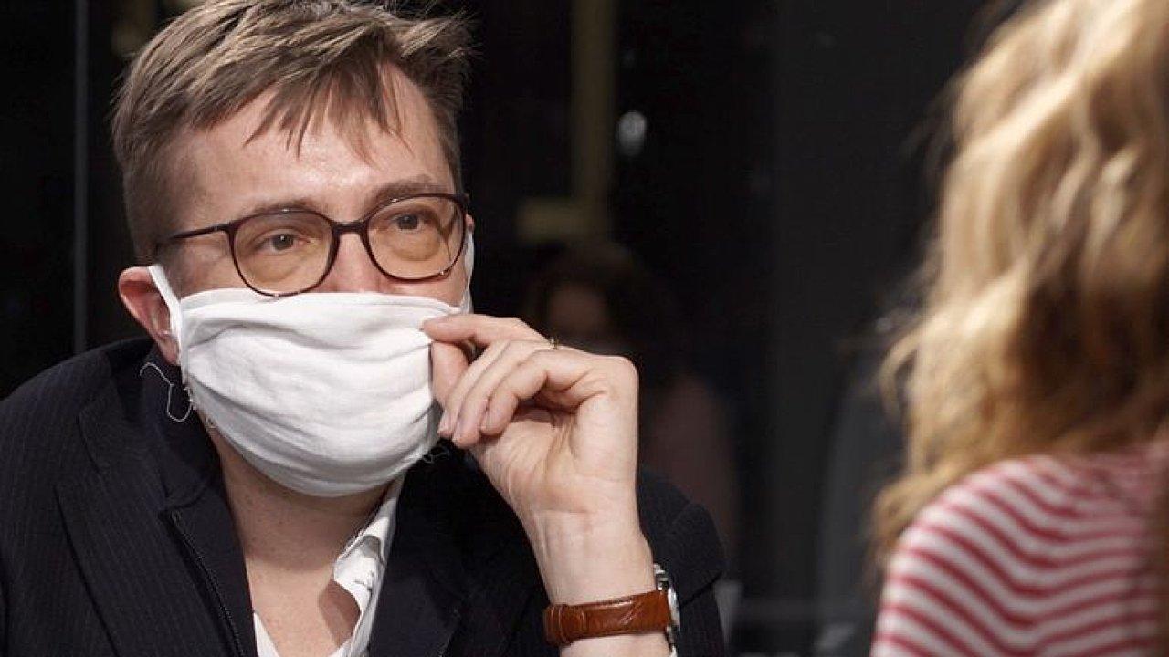 Šmucler: Bude mi blbě a možná umřu, ale nedělejme z koronaviru jediný problém Česka