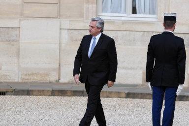 Argentinskému prezidentovi Albertu Fernándezovi se zatím nepodařilo dohodnout svěřiteli narestrukturalizaci dluhu vcelkovém objemu 65 miliard dolarů, tedy vpřepočtu zhruba 1,6 bilionu korun.