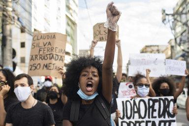 Brazílie, Libanon nebo Polsko. Celý svět demonstruje proti rasismu, protest se konal i v Praze