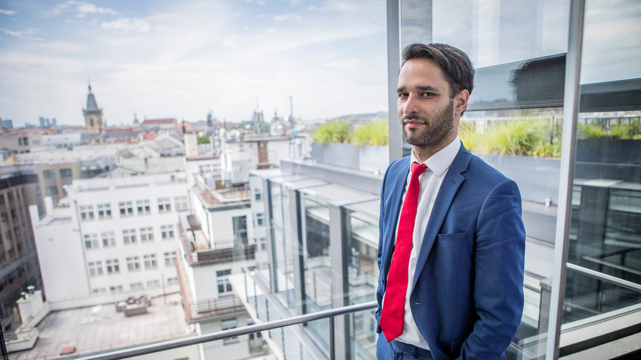 """""""Výnosová míra těch nejlepších pražských kanceláří se dnes pohybuje naúrovni čtyř procent, což sevnásledujících 12 měsících podle mého názoru nezmění,"""" říká Michal Soták."""