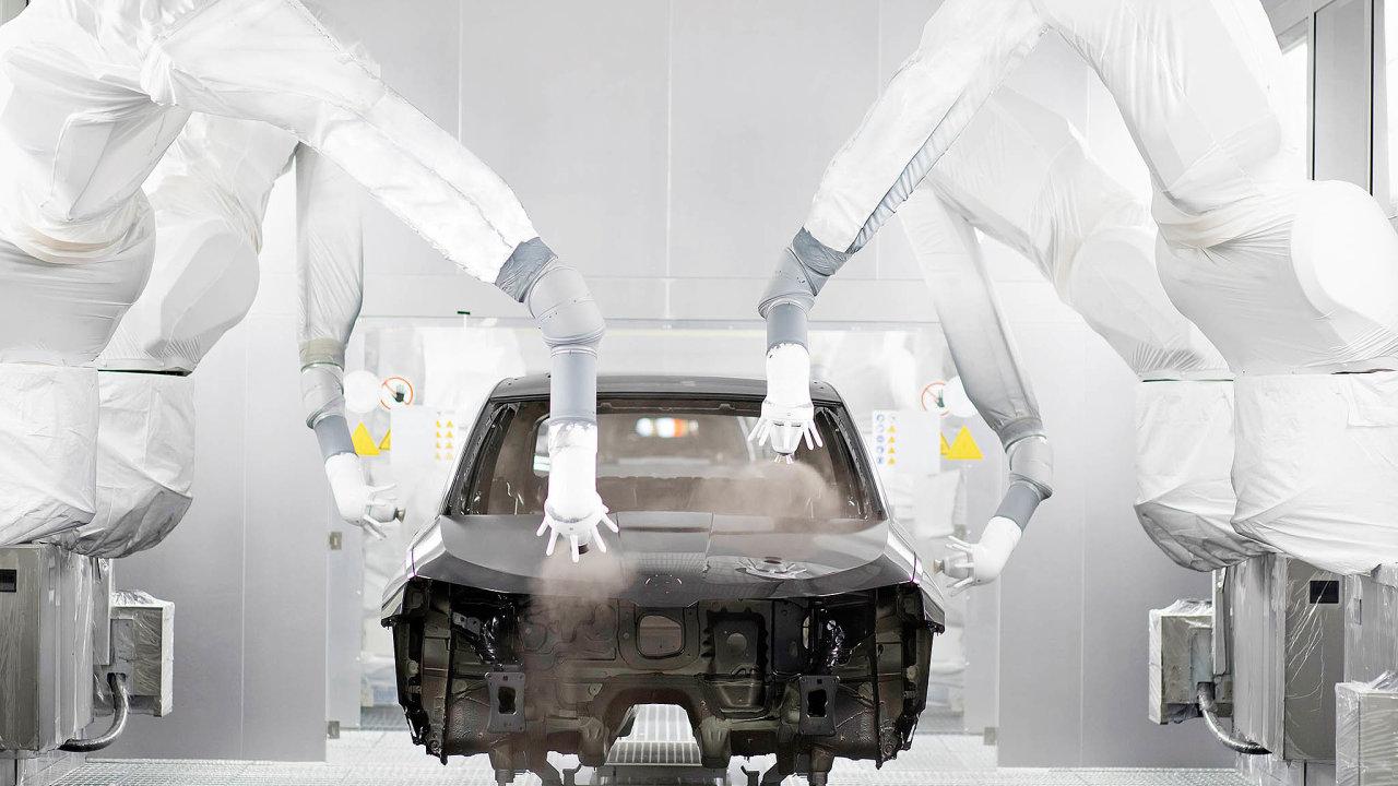 Dopořizování robotů se vČesku pouštějí hlavně automobilky ajejich dodavatelé. Podle účastníků robotické debaty HN je ale sázka naautomatizaci výhodná pro celý průmysl.
