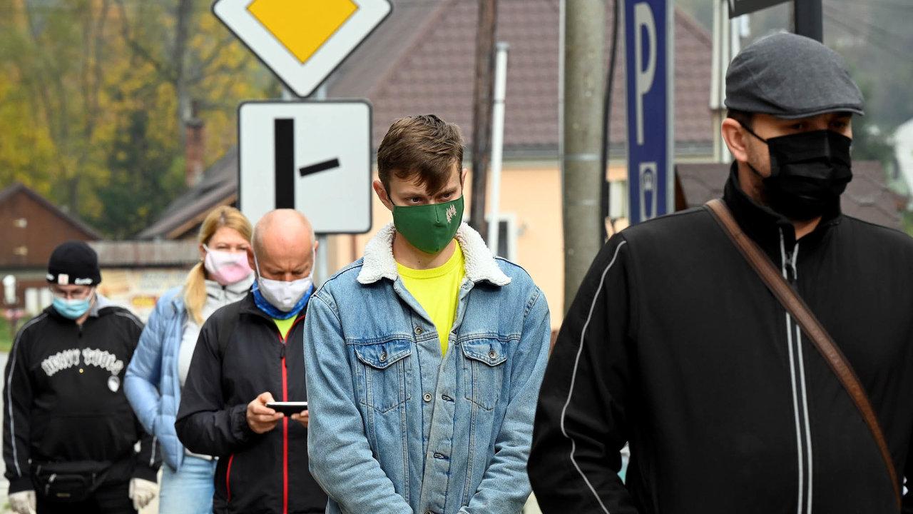 Testování na Slovensku neprokázalo zvýšený nárůst nakažených.