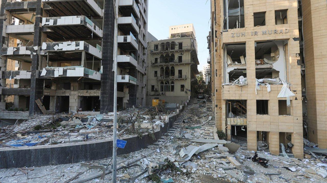 Rok po explozi v Bejrútu.