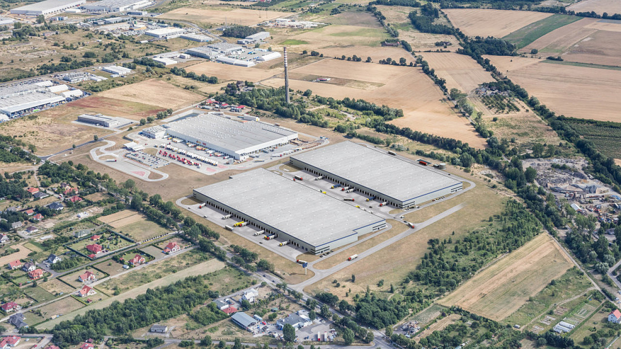 Průmyslový park společnosti Accolade ve Velkopolském Hořově poblíž hranic Polska s Německem čeká rozšíření. Firma do něj investuje zhruba dvě miliardy korun.