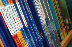 Bez učebnic se při přípravě na jazykové zkoušky neobejdete