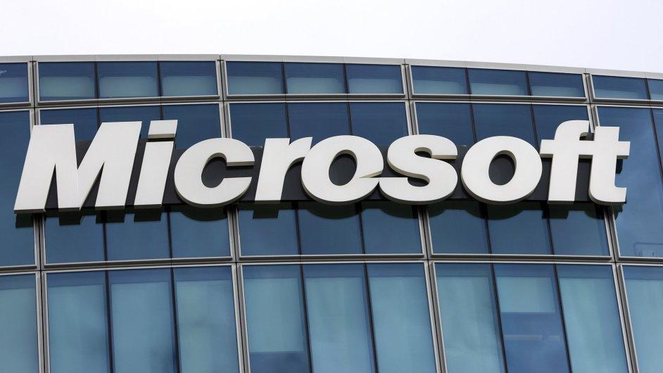 Microsoft loni v Česku zvýšil tržby o tři procenta.
