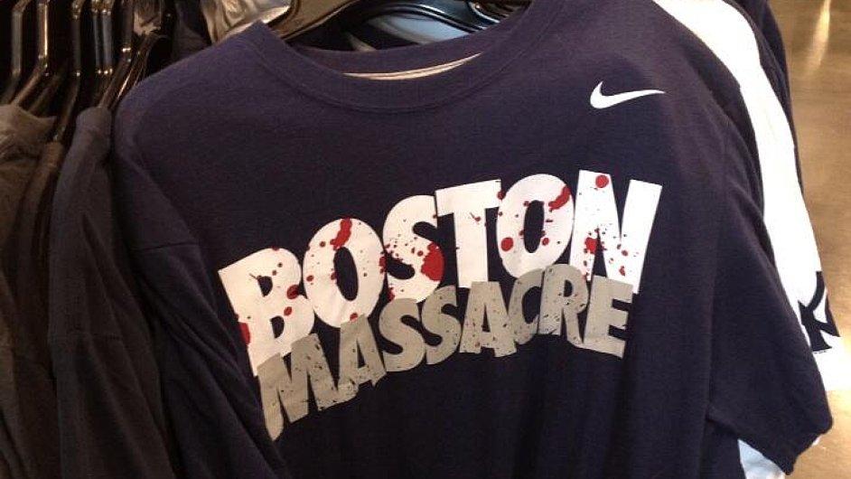 Trička Nike s nešťastným nápisem.