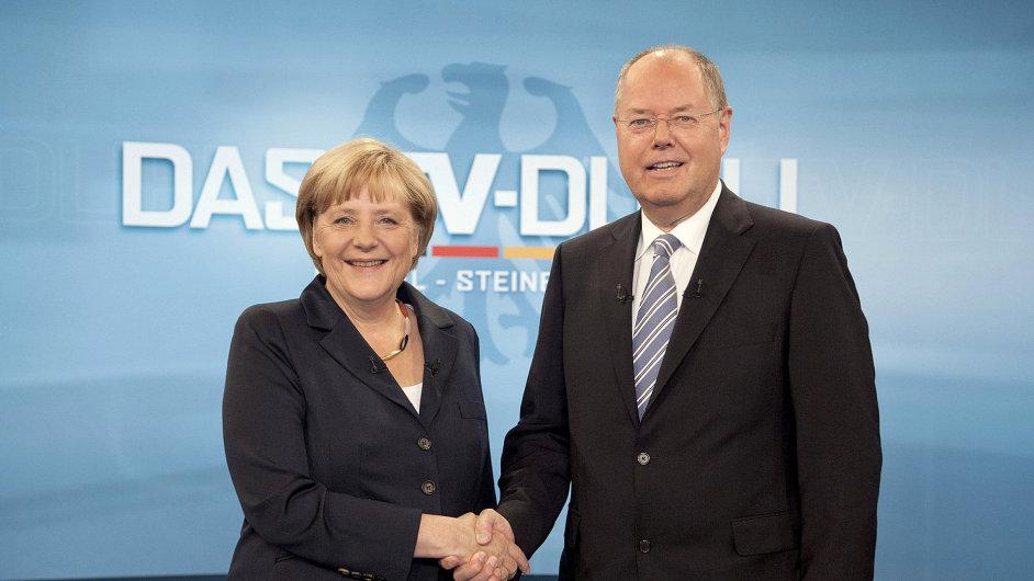 Merkelová a Steinbrück před televizní debatou