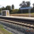 Nov� vlakov� zast�vka Hostivice-Sadov�.