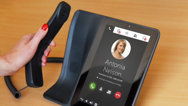 Test: Mana�ersk� telefon Jablocom Raven vym�nil ��seln�k za mal� tablet