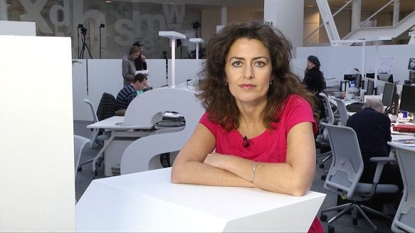 Koment�torka HN Julie Hrstkov�.