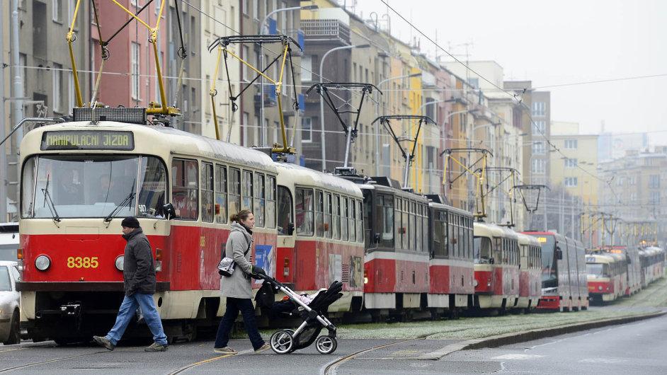 Žádná tramvaj již nepojede z místa, odkud vyjížděla, aby dojela tam, kam zatím jezdila. Pokud se nějaká taková trasa přece jen objeví, bude chyba napravena při příští optimalizaci.