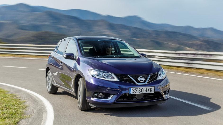 Nissan nasadil pohledný design. Asijský původ auta je v něm ale stále cítit.