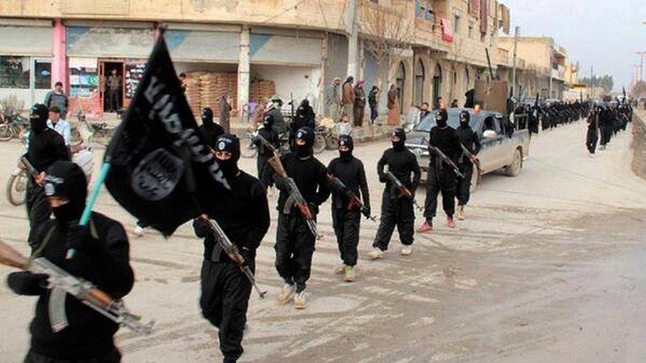Radikálové přidávající se k Islámskému státu mnohdy pocházejí ze středních tříd. - Ilustrační foto.