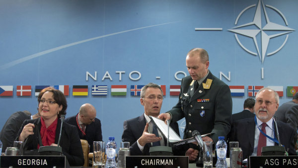 Jedn�n� NATO o migraci