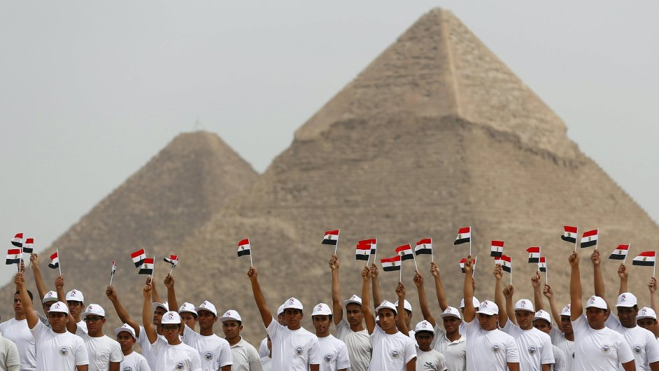 AMR015 EGYPT TOURISM 0302 11