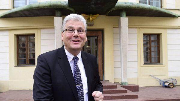 Ministr zdravotnictví Miloslav Ludvík.