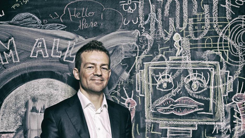 Expert narobotiku Esben Oestergaard