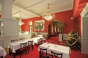 Restaurace Benada: Pochutnání v grandhotelu, který otvíral sám císař