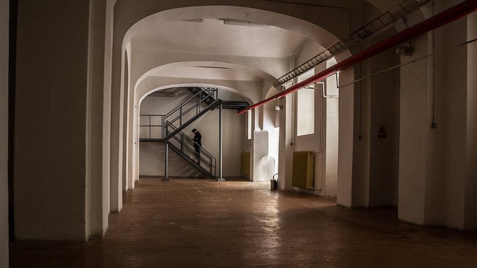 V opuštěném objektu v Hybernské ulici vytvořila Univerzita Karlova nové kulturně-vědecké centrum.