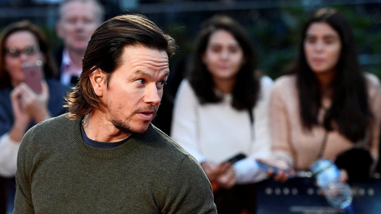 Mark Wahlberg je na snímku z loňské evropské premiéry filmu Deepwater Horizon: Moře v plamenech.