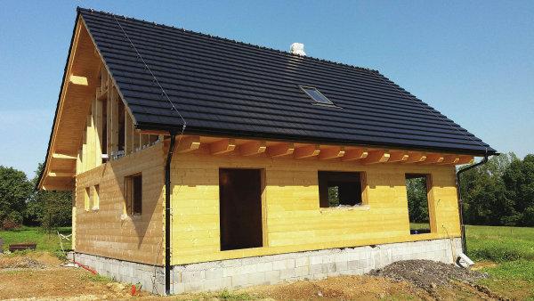 Dřevo rozhodně není přežitým materiálem, stavebnictví se k jeho využití vrací ve stále větší míře. Pozitiva tohoto materiálu jednoznačně převažují.