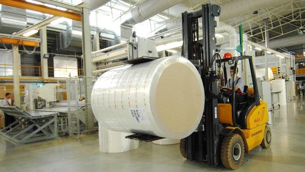 Pegas Nonwovens vyrábí netkané textilie pro stavebnictví, zemědělství či zdravotnictví.