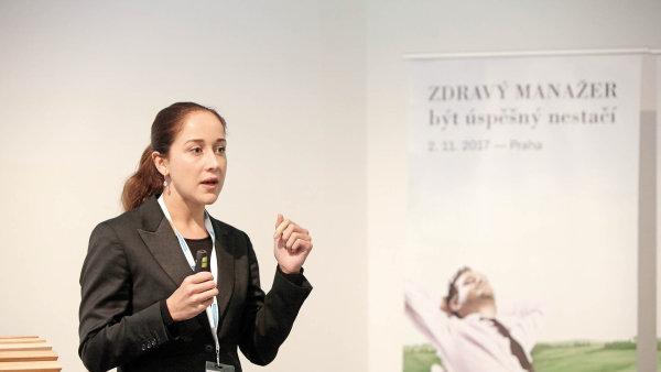 """Tématem přednášky freediverky Kataríny Linczenyiové bylo """"Nestresujte se ze stresu""""."""