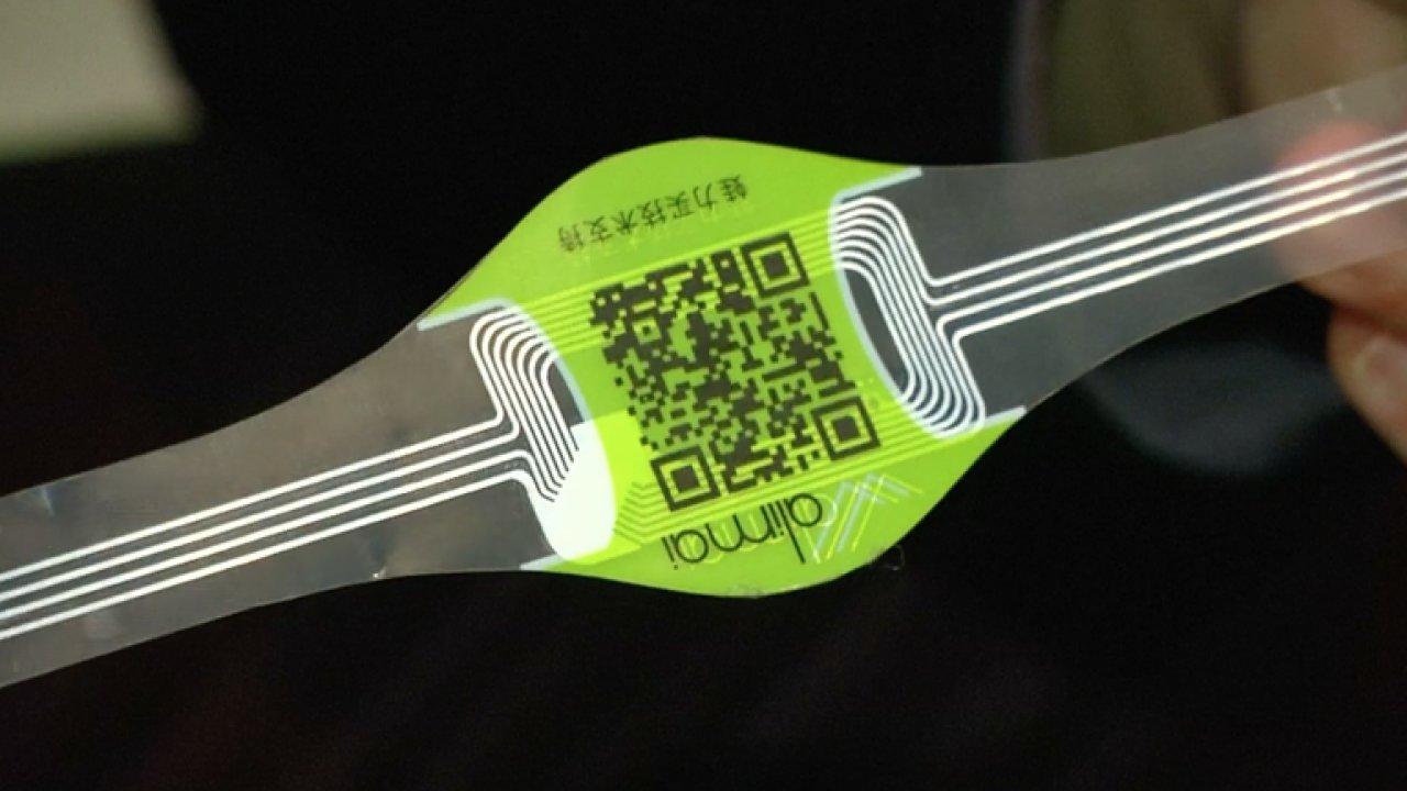 Etiketa odhalí, zda máte v ruce originální výrobek, nebo padělek.