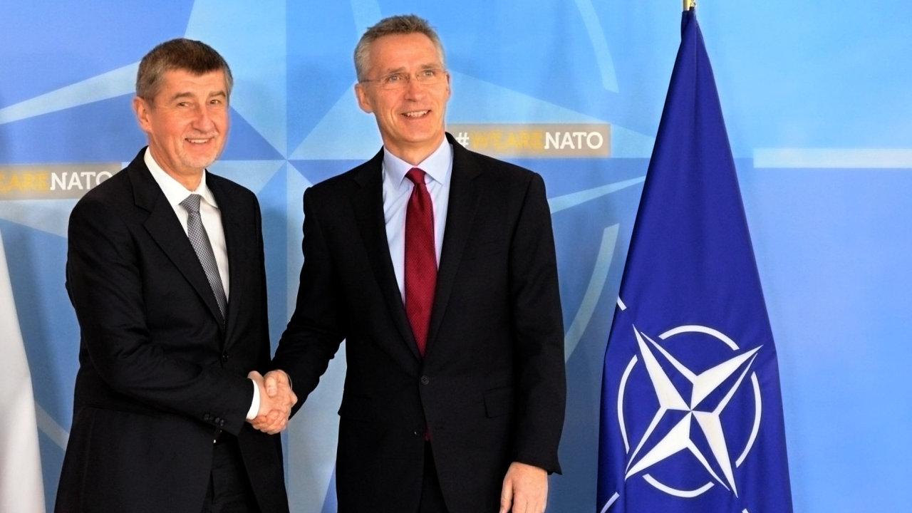 Generální tajemník NATO Jens Stoltenberg jednal s českým premiérem v demisi Andrejem Babišem.