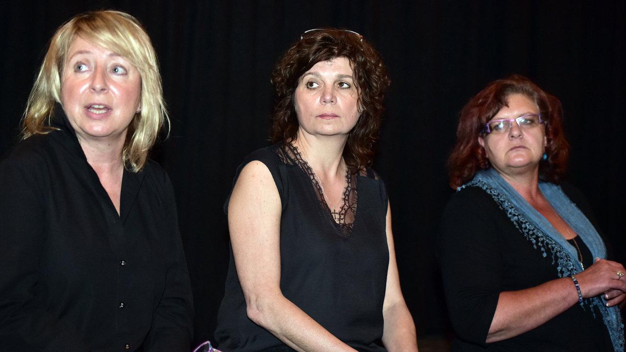 Zleva režisérka Šárka Maixnerová, infiltrátorka Ivana Lokajová a kreativní producentka ČT Lenka Poláková.