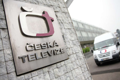 Česká televize vyčíslila výpadek příjmů na 350 až 400 milionů.