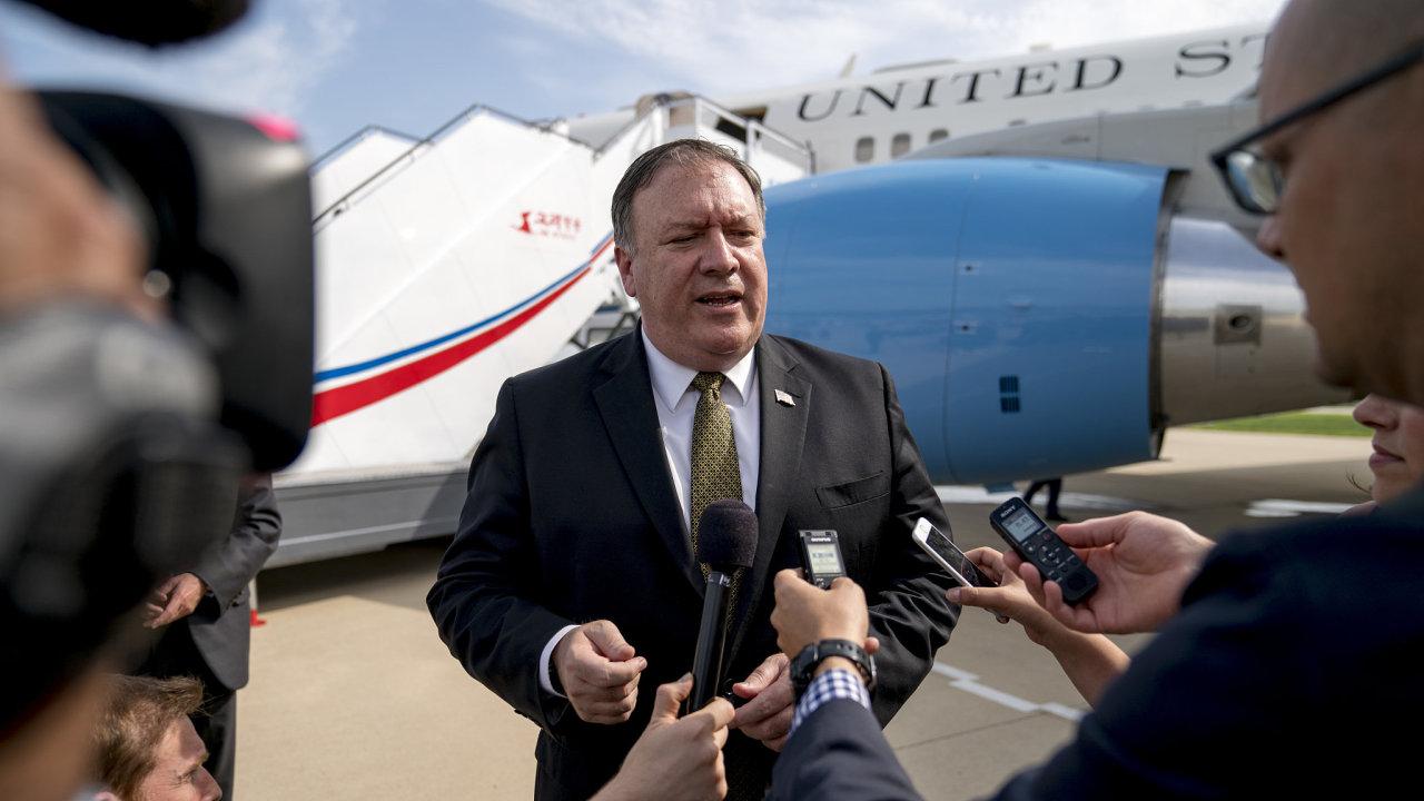 Americký ministr zahraničí Mike Pompeo před odletem z Pchjongjangu do Tokia.