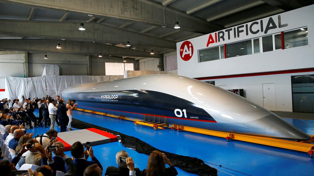 Firma HyperloopTT představila kapsli pro přepravu cestujících