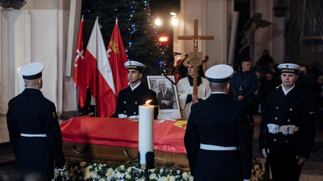 Pohřeb zavražděného starosty Gdaňsku Pawla Adamowicze.