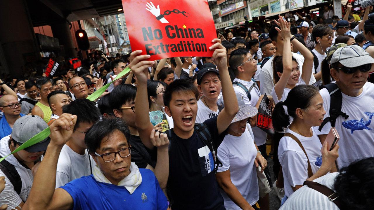 Výsledek obrázku pro stávka v hongkongu 2019