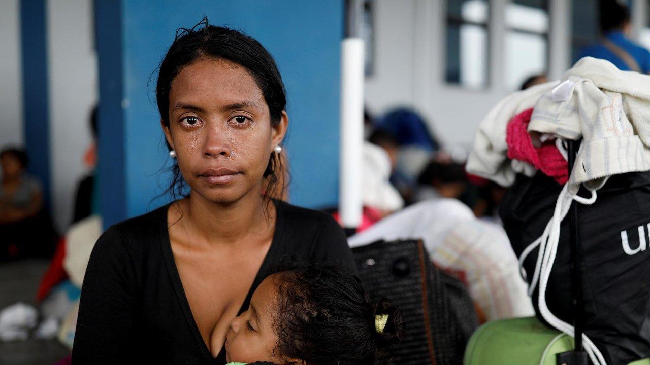 Bez víza. Venezuelští uprchlíci to v Peru mají těžší, sousední země od nich žádá vízum, a oni ho doma spíš nedostanou.
