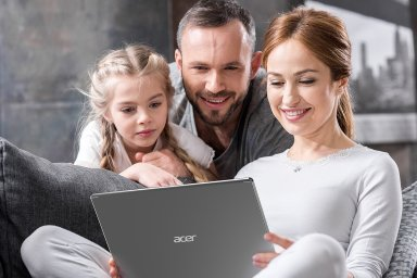 Acer Aspire 5 v nejlépe vybavené verzi v obyčejném těle skrývá výborný poměr ceny a výkonu.