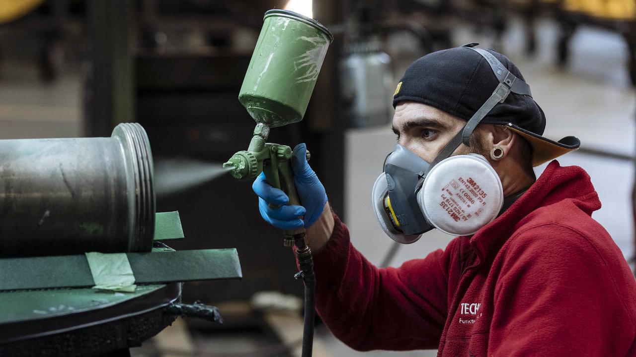 České hospodářství čeká letos podle EK propad o 7,8 procenta.