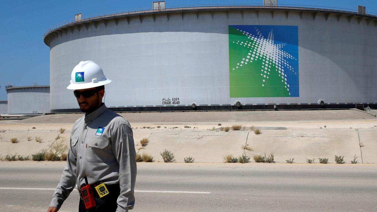 Úpisem akcií Saudi Aramca narijádské burze získal princ Mohamed bin Salmán peníze, znichž může financovat své reformy. Omezit chce závislost země naropě, vybuduje zpracovatelský průmysl aslužby.