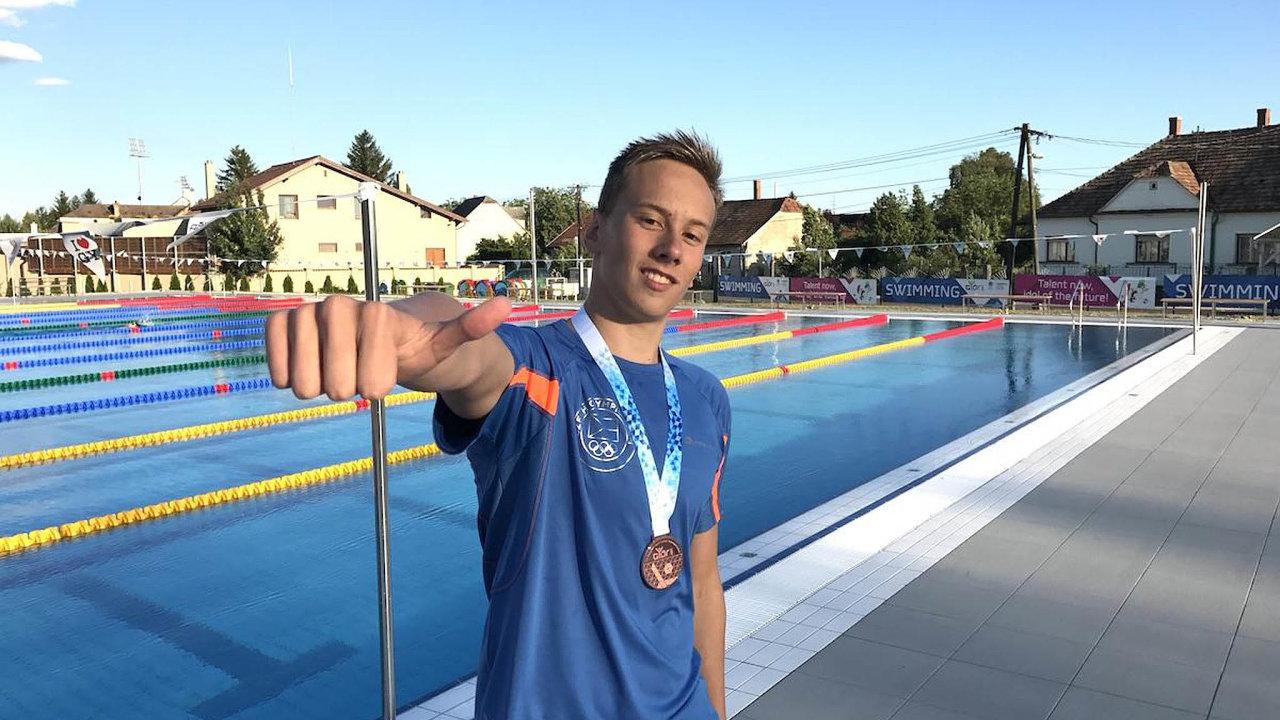Díky úspěchům v Budapešti se osmnáctiletý Jan Čejka stal nečekaně kandidátem naúčast volympijských hrách vTokiu. Jenomže olympijský výbor teď zvažuje, zda hry kvůli epidemii neodloží.