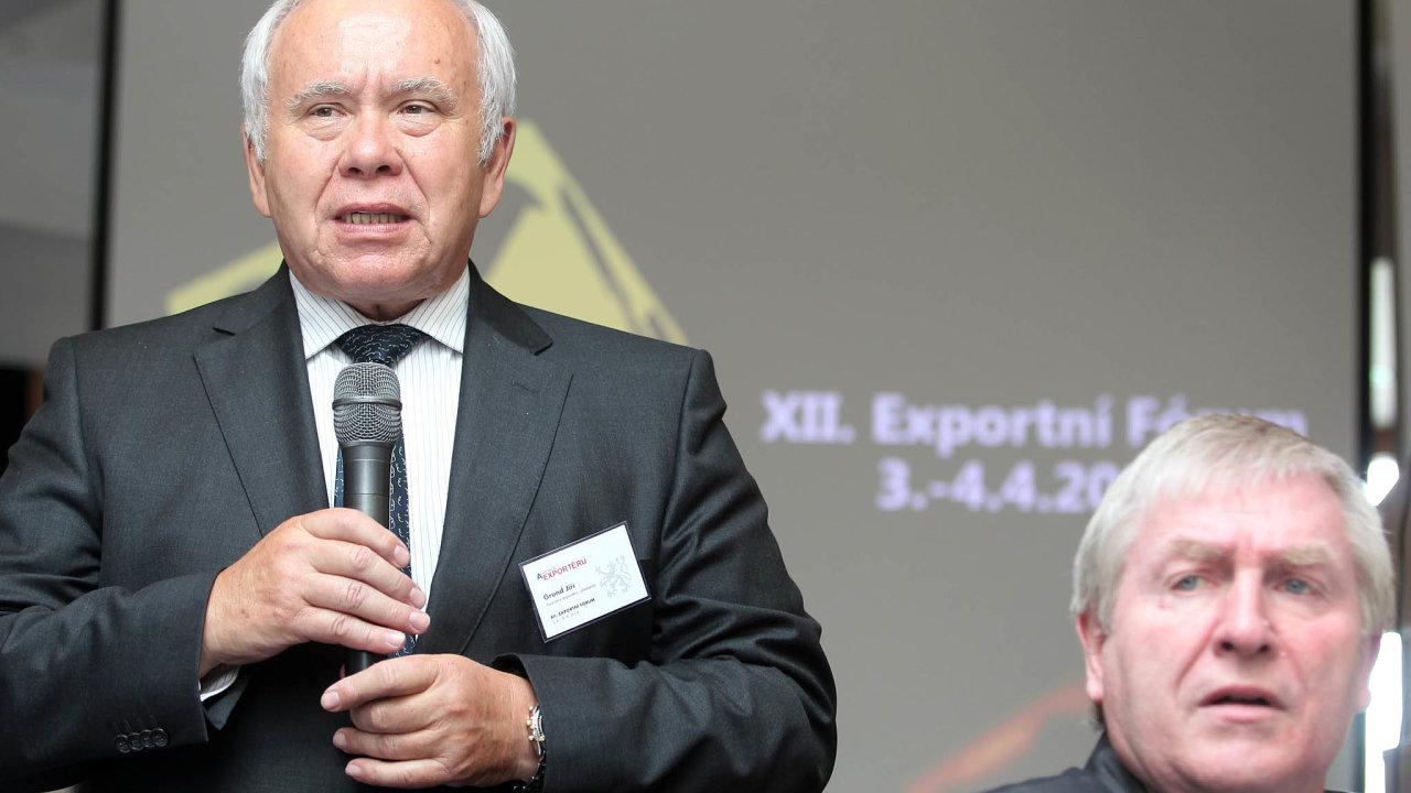 Obchody nejdou. Šéfové Asociace exportérů Jiří Grund (vlevo) a Otto Daněk (na snímku z roku 2014) potvrzují, že protiepidemická opatření během tří měsíců těžce dolehla na český vývoz.