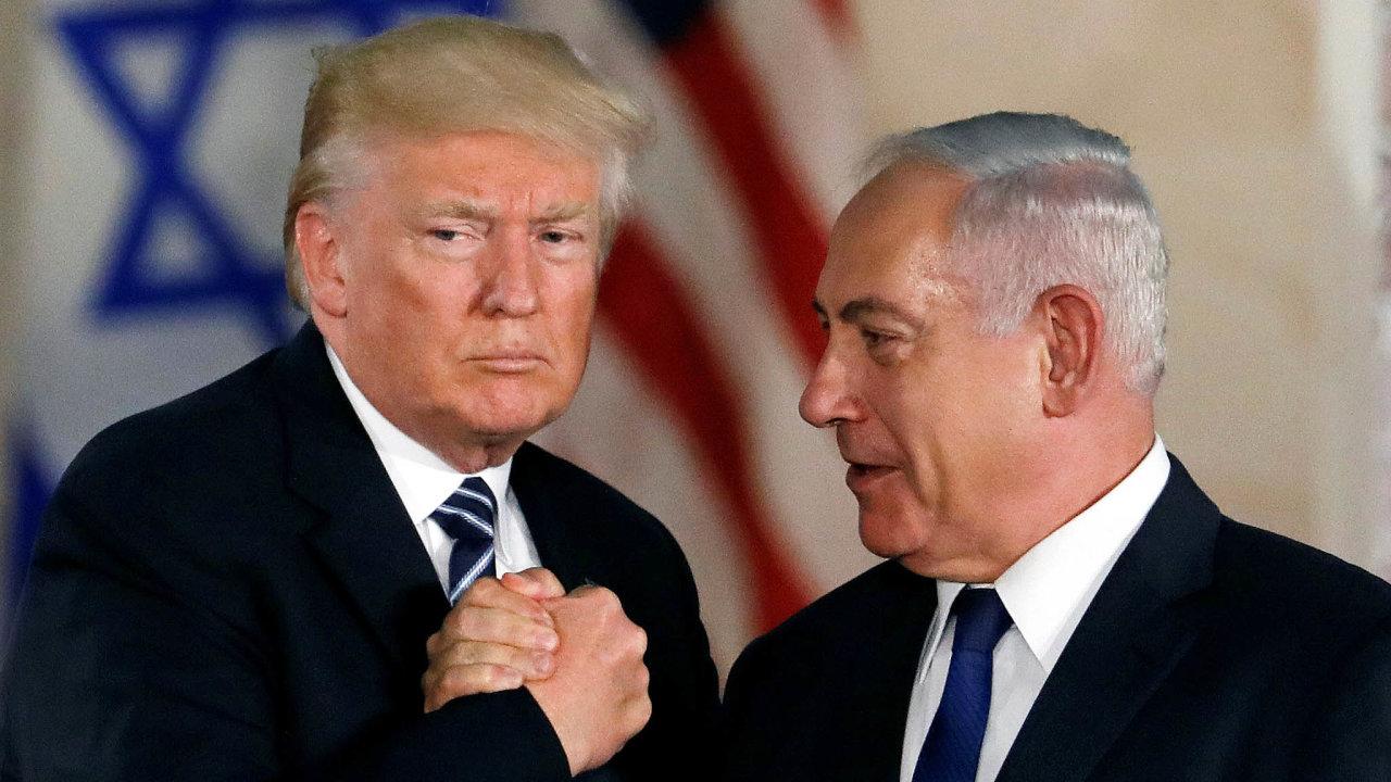 Podepsání dohody mezi Izraelem, Spojenými arabskými emiráty aBahrajnem je úspěchem pro Trumpa iNetanjahua, kteří si tím vylepšují vlastní obraz vesvých zemích.